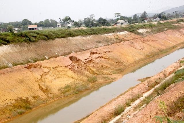 Nghệ An: Dự án kênh tiêu nước hơn 750 tỷ chưa bàn giao đã hư hỏng? - 7