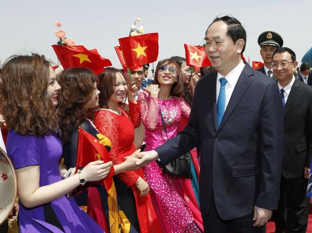 Quang cảnh lễ đón Chủ tịch nước Trần Đại Quang và Phu nhân tại Sân bay Quốc tế Bắc Kinh. Ảnh: Nhan Sáng-TTXVN