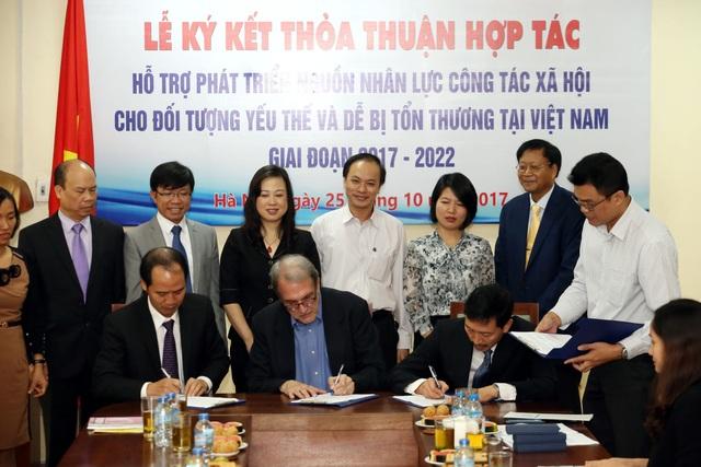 Lễ ký thỏa thuận hợp tác giữa Bộ LĐ-TB&XH và Tổ chức CFSI.