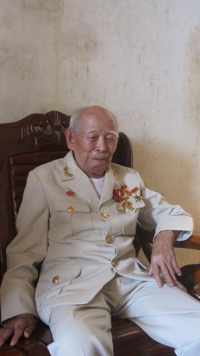 Ông Tô Đình Cắm- người chiến sĩ cuối cùng trong số 34 đội viên của Đội Việt Nam Tuyên truyền Giải phóng quân