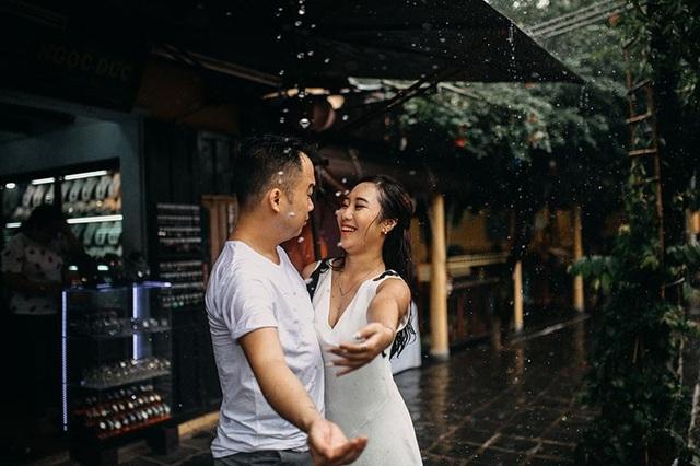 Hiện tại cặp đôi đang yêu xa nhưng theo chia sẻ của Quế Hoa thì cô và con sẽ sớm sang Đức để đoàn viên cùng Huy Cường.