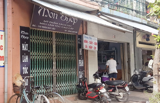 Cửa hàng mỹ phẩm nằm ở số 10B đường Trần Huy Liệu nơi xảy ra sự việc