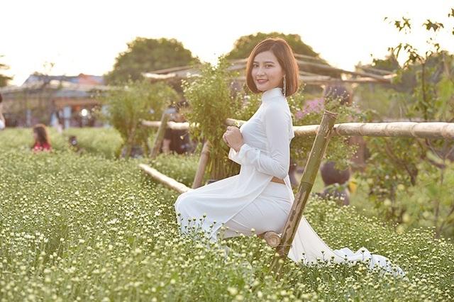 Cho thuê chụp ảnh, chủ vườn cúc họa mi kiếm hàng chục triệu mỗi ngày - 13