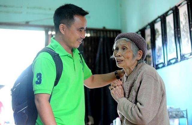 Cụ Đàm Thị Lích xúc động gửi lời cảm ơn đến Thủ tướng, Bộ trưởng Trần Hồng Hà và phóng viên Báo Dân trí đã đem lại công lý cho cụ ở tuổi gần đất xa trời.