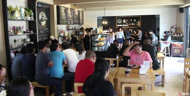 Sau khi những hình ảnh của quán được chia sẻ trên mạng xã hội, Cup C Cafe House thu hút nhiều khách hơn trước