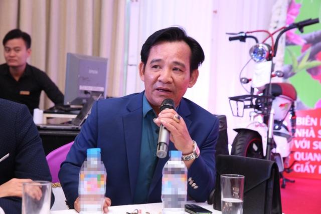 Nghệ sĩ Quang tèo chia sẻ trong buổi họp báo ra mắt phim hài Tết.