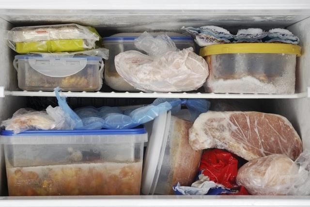 Thực phẩm đông lạnh nếu không biết rã đông đúng cách có thể làm mất hương vị món ăn cũng như không tốt cho sức khỏe. Ảnh minh họa