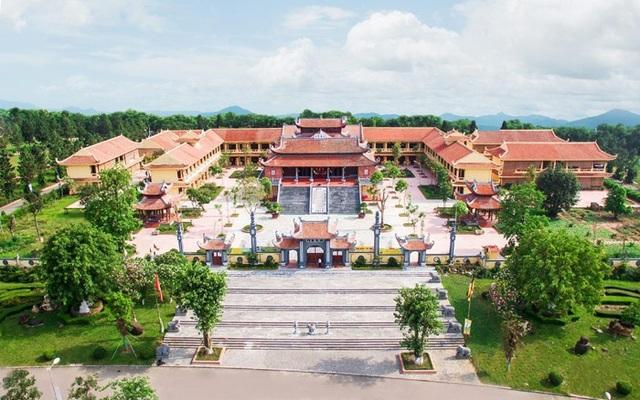 Bước vào không gian yên tĩnh của chùa Đại Từ Ân giống như bước vào không gian của Thiền viện Vạn Hạnh - Đà Lạt