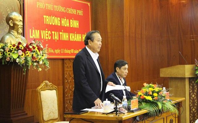 Phó Thủ tướng Thường trực Trương Hòa Bình cùng đoàn công tác đã có buổi làm việc với UBND tỉnh Khánh Hòa sáng 11/3 - Ảnh: Viết Hảo