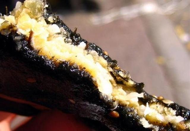 Bánh gai là món quà vặt chứa đựng nhiều tình cảm của người Hải Dương.