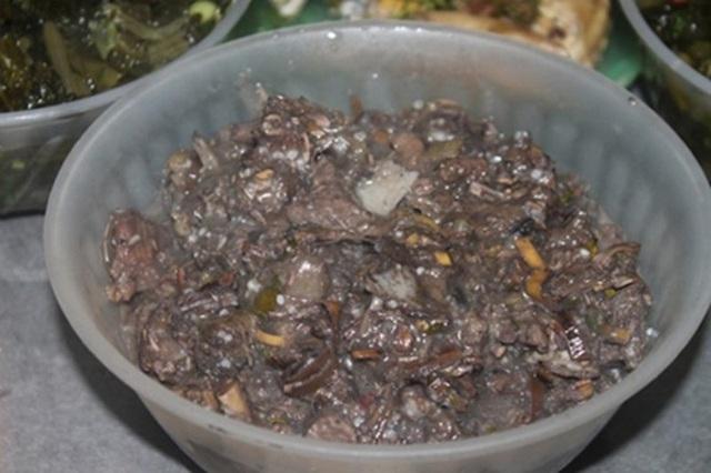 Thịt thối có mùi rất khó chịu nhưng ăn lại tuyệt ngon.