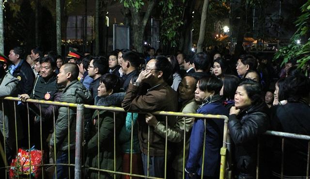 Trước giờ khai ấn, hàng nghìn đại biểu bị mời ra ngoài - 7