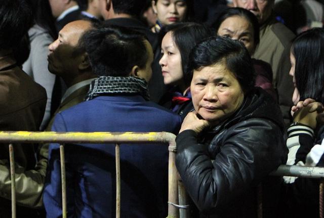 Một nữ đại biểu trong đoàn đại biểu bị mời ra ngoài