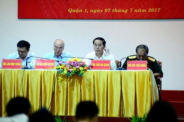 Chủ tịch nước Trần Đại Quang tiếp xúc cử tri TPHCM sau kỳ họp thứ 3 Quốc hội khóa XIV