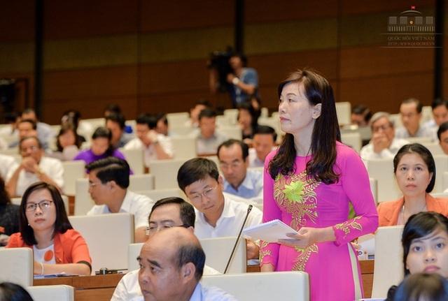 Đại biểu Quốc hội Nguyễn Thị Xuân phát biểu tại hội trường (Ảnh: Quochoi.vn)