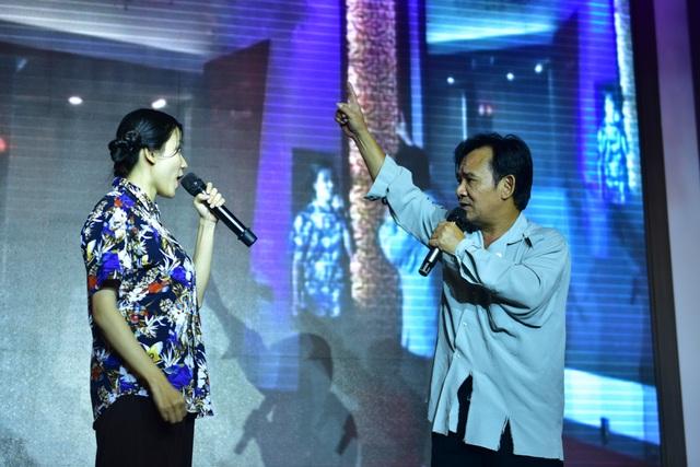 Chương trình cũng có những tiết mục nghệ thuật đặc sắc. Nghệ sĩ hài Quang Tèo tham gia biểu diễn trong một tiểu phẩm.