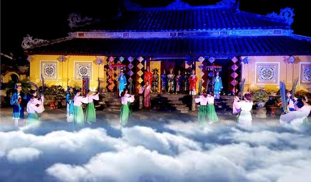 Khung cảnh thần tiên trong một hoạt cảnh ở Cung Trường Sanh, Đại Nội vào ban đêm