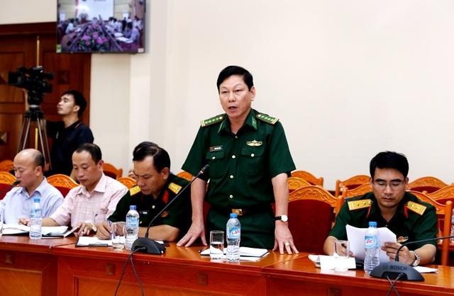 Đại tá Trần Dương Kiên phát biểu tại cuộc họp.