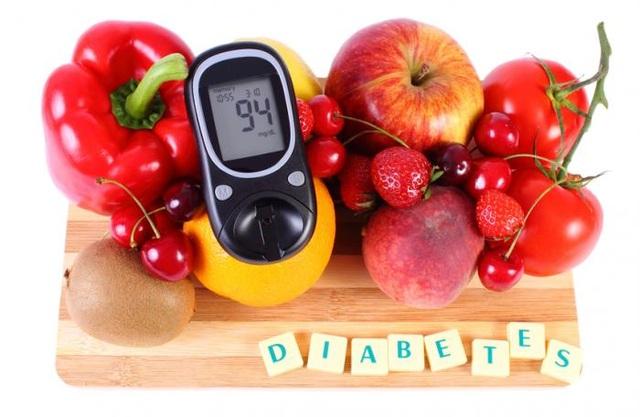 Ăn trái cây tươi hàng ngày rất có lợi cho người mắc bệnh đái tháo đường.