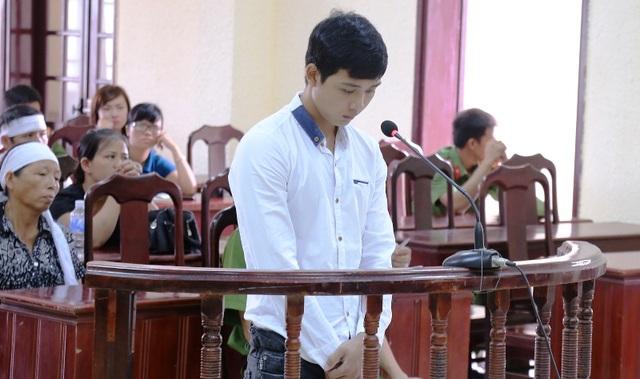 Bị cáo Hòa khai nhận tội trạng của mình trước HĐXX