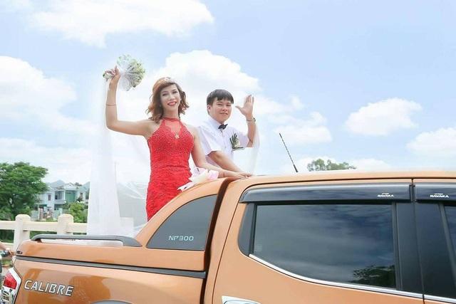 Cô dâu Thảo My và chú rể Đinh Nhiệm trong đám cưới.