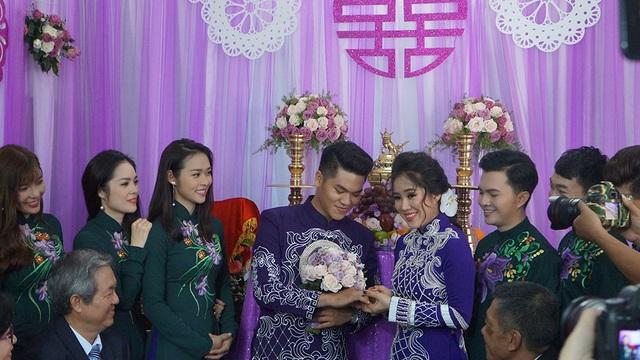 Diễn viên Lê Phương hạnh phúc bên chồng mới - 15
