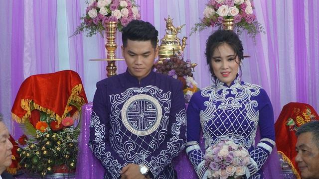 Diễn viên Lê Phương sau cuộc hôn nhân đầu không hạnh phúc nên đã li dị và nuôi dưỡng bé Cà Pháo, lần tái hôn này cô rất hạnh phúc và luôn cười tươi rạng rỡ.