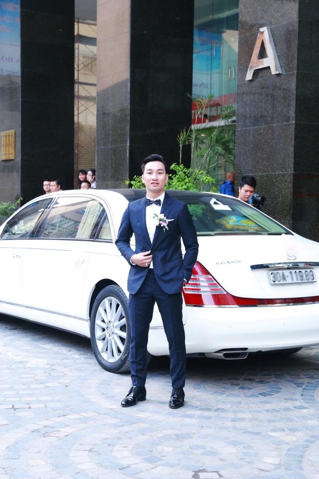 Chiếc xe siêu sang hơn 20 tỉ được dùng để rước dâu, chú rể Thành Trung bảnh bao trong ngày vui
