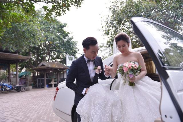 Nam MC ga-lăng với vợ