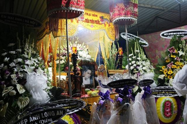 Tang lễ của nam diễn viên Nguyễn Hoàng được diễn ra tại Câu lạc bộ Hưu trí Tân An.