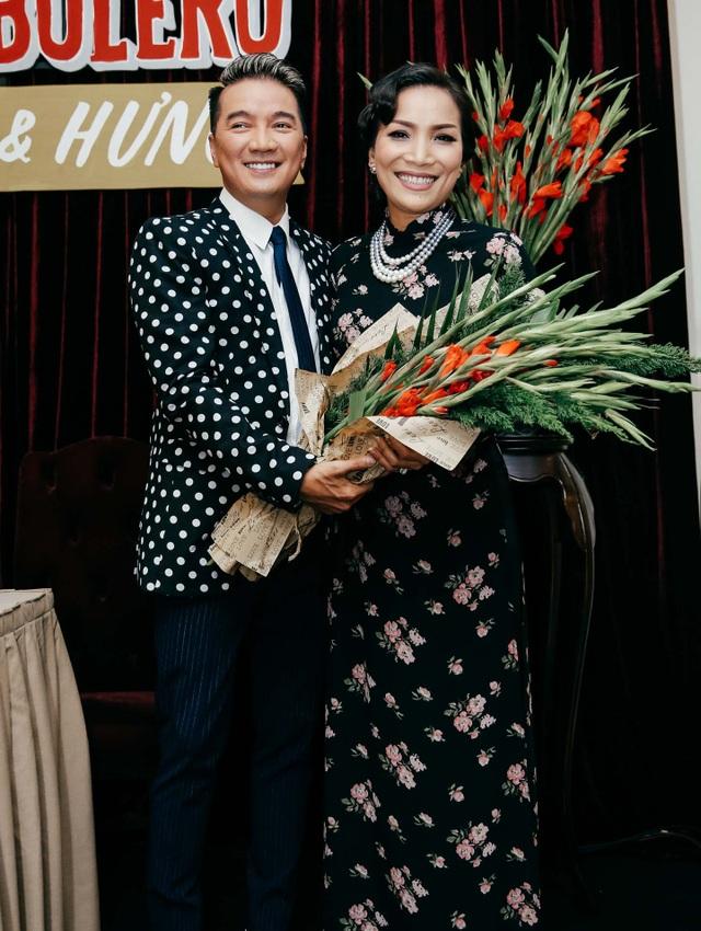 Sự kiện còn có sự xuất hiện đầy bất ngờ của nữ ca sĩ Hồng Ngọc với phong cách đặc biệt ấn tượng.