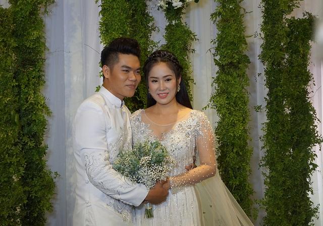 Hình ảnh tiệc cưới sang trọng của Lê Phương tại Sài Gòn - 7