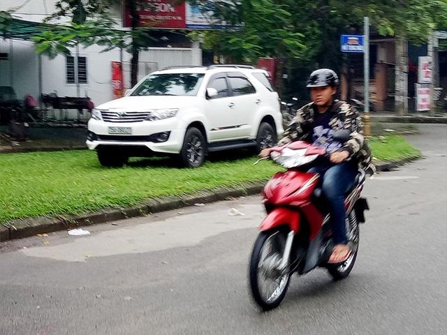 Người dân Huế mặc áo ấm ra đường trong 2 ngày qua