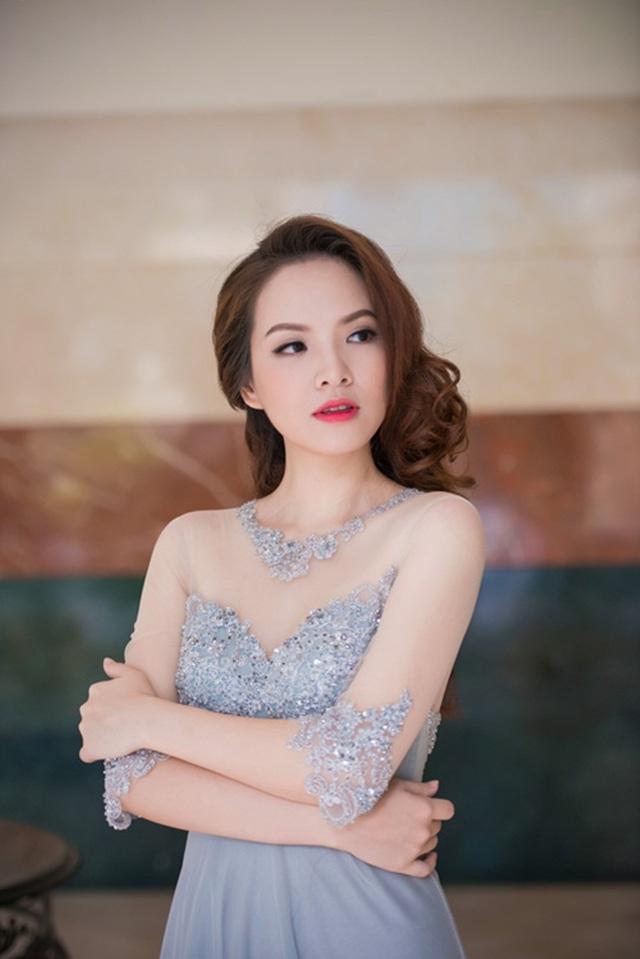 Đan Lê cho biết, đây không phải là lần đầu tiên cô bị các website của các công ty tư nhân sử dụng hình ảnh vào mục đích thương mại khi chưa được sự đồng ý.