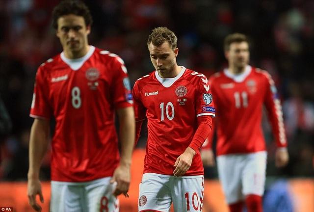 Đan Mạch bất lực trong việc xuyên thủng mành lưới CH Ailen