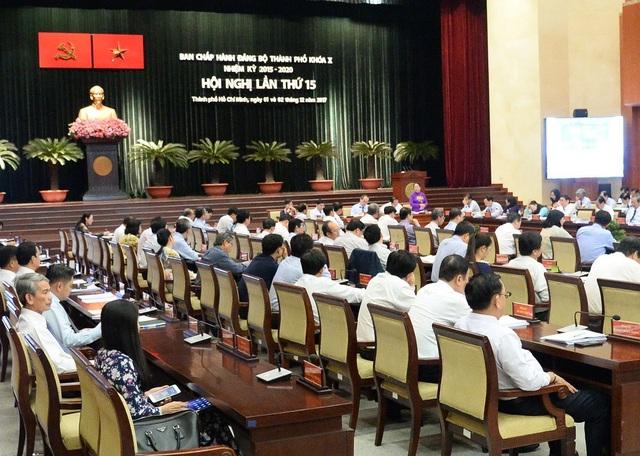 Hội nghị lần thứ 15 Ban Chấp hành Đảng bộ TPHCM khóa X, nhiệm kỳ 2015-2020 diễn ra từ ngày 1-2/12, quyết định kỷ luật nhiều cán bộ và tổ chức Đảng