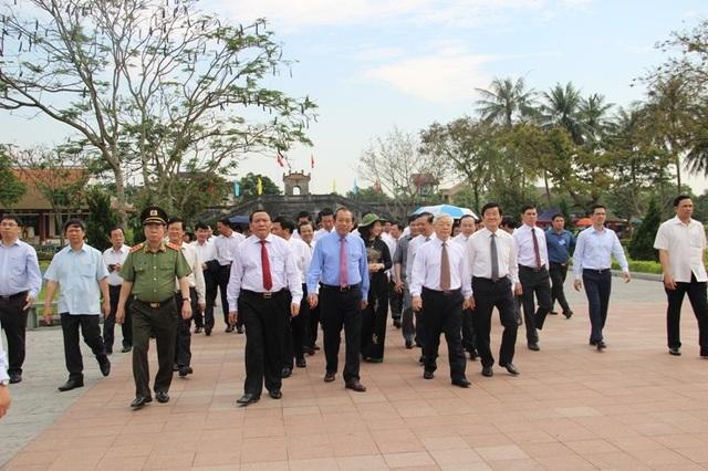 Tổng Bí thư Nguyễn Phú Trọng dâng hương tưởng nhớ cố Tổng Bí thư Lê Duẩn - 4