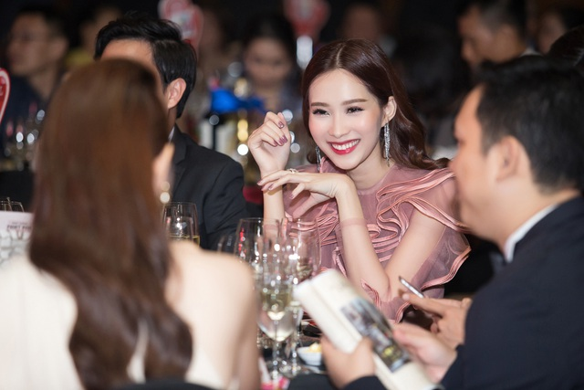 Nụ cười rạng rỡ của Đặng Thu Thảo khi tham gia chương trình