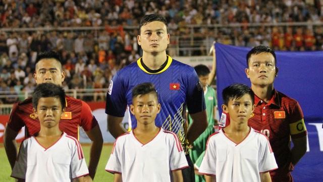 Những cầu thủ Việt kiều như thủ môn Đặng Văn Lâm cần được tận dụng (ảnh: Trọng Vũ)