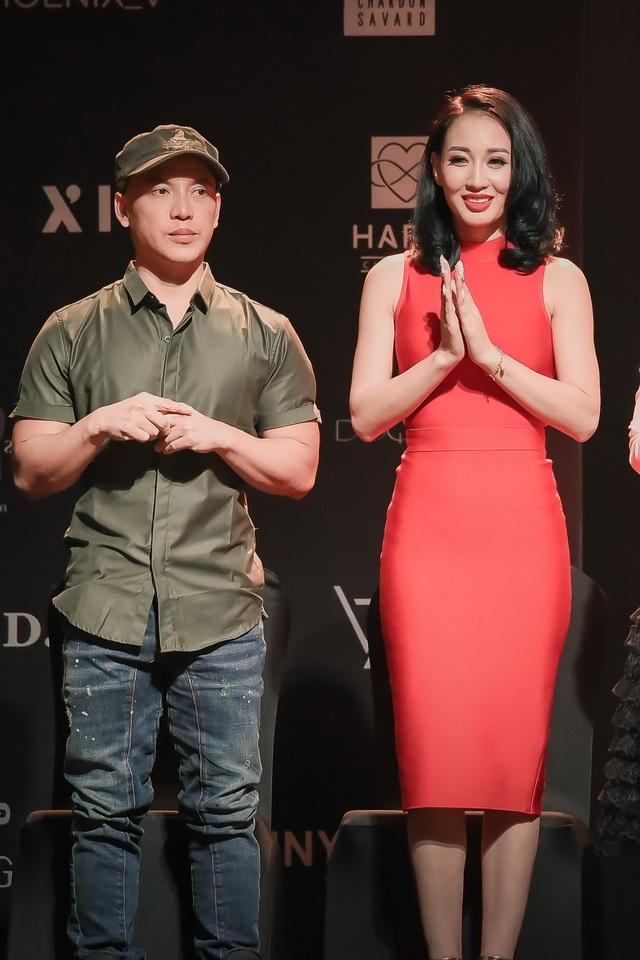Hai thầy trò NTK Cory Trần và Valentines Vân Nguyễn