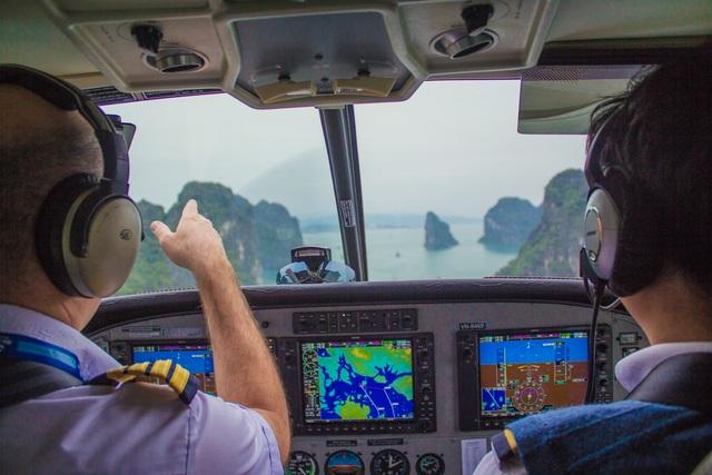Ngắm Vịnh Hạ Long từ độ cao 150m.
