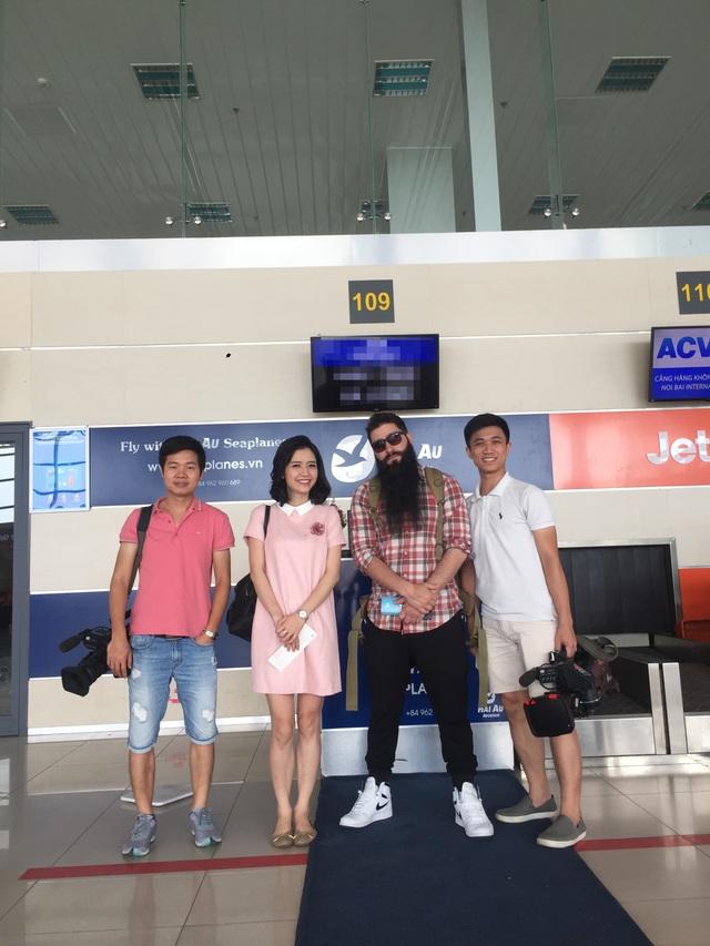 Đạo diễn phim Kong trở lại thăm Vịnh Hạ Long bằng thuỷ phi cơ - 5