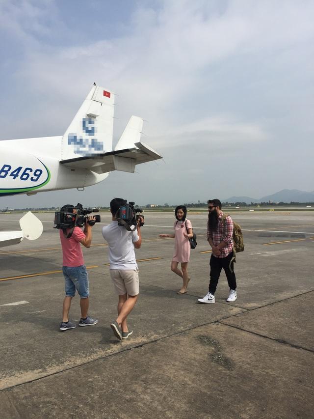 Đạo diễn phim Kong trở lại thăm Vịnh Hạ Long bằng thuỷ phi cơ - 3