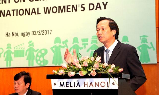 Bộ trưởng Đào Ngọc Dung phát biểu tại Toạ đàm.