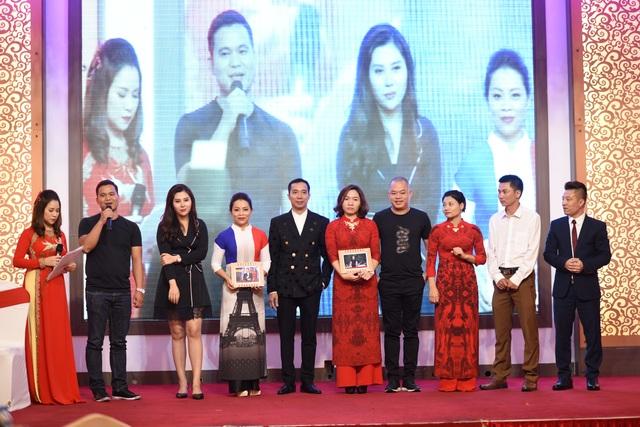 NTK Đỗ Trịnh Hoài Nam cùng các doanh nhân tiếp tục đấu giá ủng hộ đồng bào lũ lụt - 13