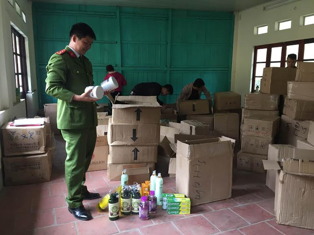 Bắt 80 thùng mỹ phẩm nhập lậu Trung Quốc - 1