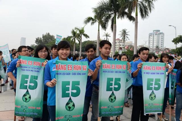 Đẩy mạnh tuyên truyền sử dụng xăng E5