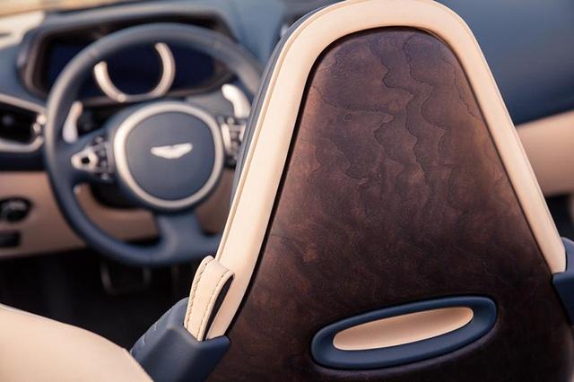 Aston Martin DB11 Volante mui trần chính thức ra mắt - 9