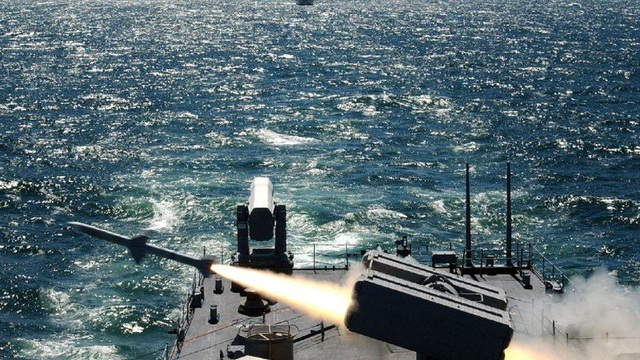 Tên lửa đánh chặn SM-3 Block IIA đánh trượt mục tiêu (Ảnh: Twitter)