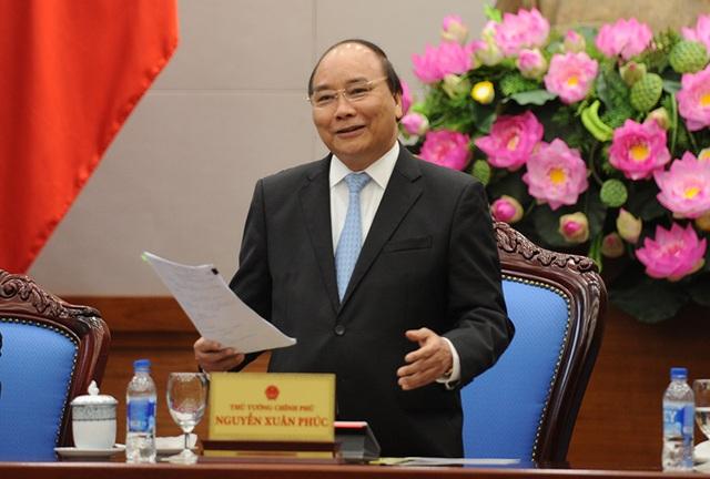 Thủ tướng Nguyễn Xuân Phúc gặp mặt và biểu dương 10 Gương mặt trẻ tiêu biểu, 10 Gương mặt trẻ triển vọng Việt Nam năm 2016.